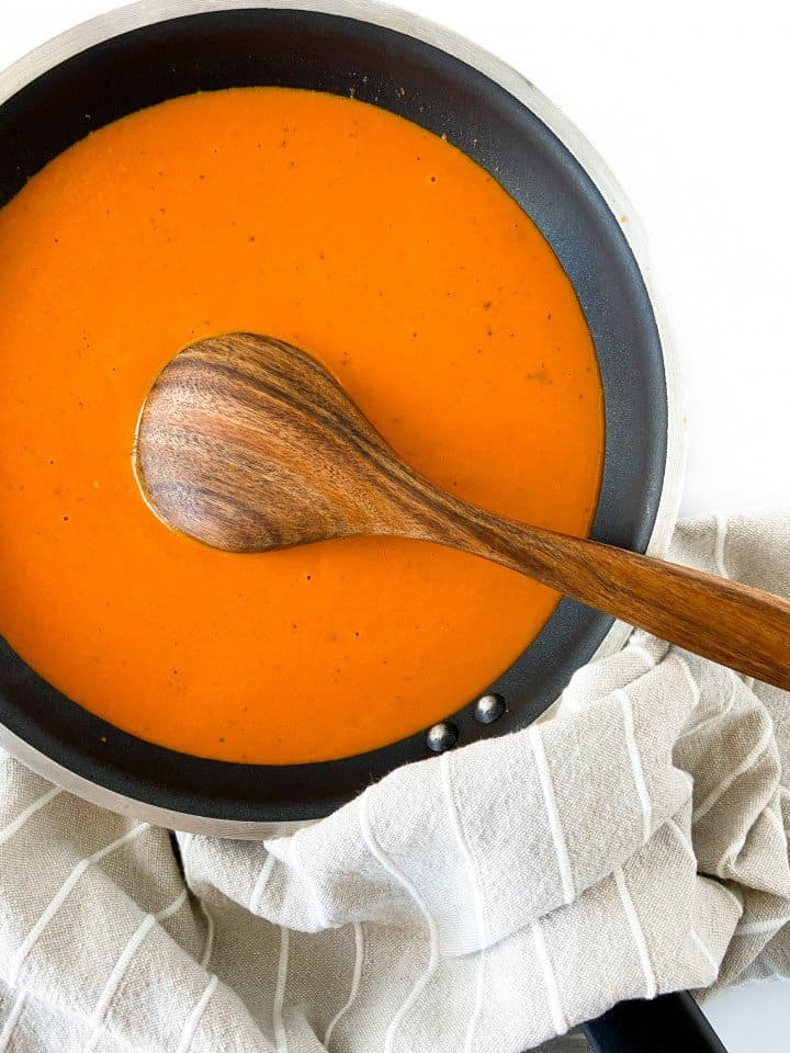 creamy roasted red pepper sauce